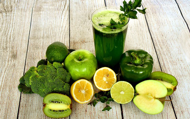 7 Drinks to Clean Your Liver Naturally